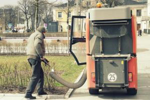 Wiosenne porządki. ZDiUM sprząta miasto