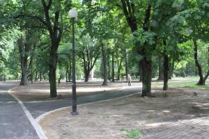 Trwają prace w Parku Rodego – umowa na dofinansowanie podpisana