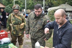 W hołdzie tomaszowskim bohaterom wojennym