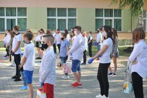 Uczniowie tomaszowskich szkół rozpoczęli wakacje