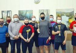 Zwycięzcy tenisowych rozgrywek nagrodzeni